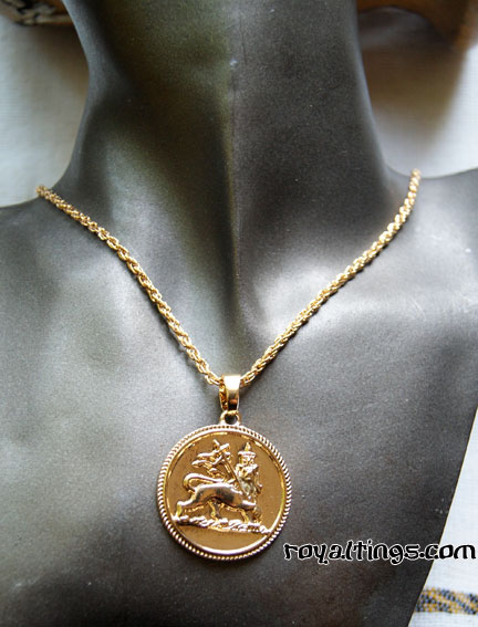 Pendant+chain lion of judah gold