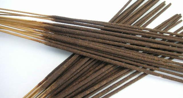 100 Incense Black Coconut